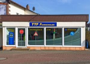 Fensterbeschriftung TTF-Fahrschule